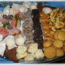 Praznično pecivo  (rafaelo, žepki, breskve, lunice, skalce, polžki, kokosove kocke, polju