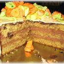 Lešnikova torta s čokoladno kremo