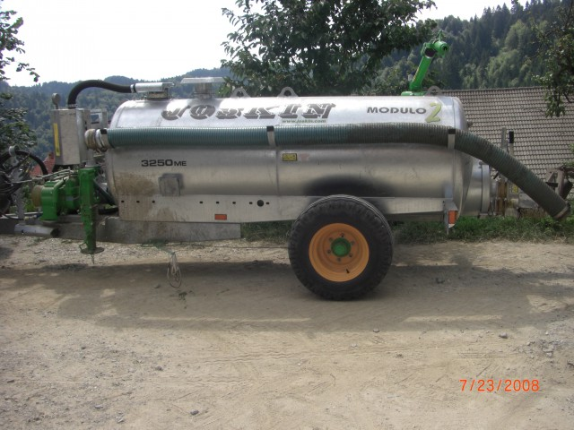 Cisterna od borčija - foto