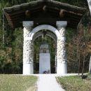 Pomnik zakladnikow, J. Plečnik