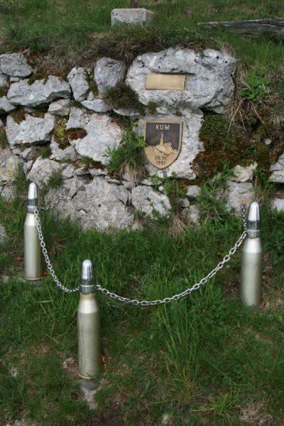 Pomnik obroncow masztu w czasie wojny 1991