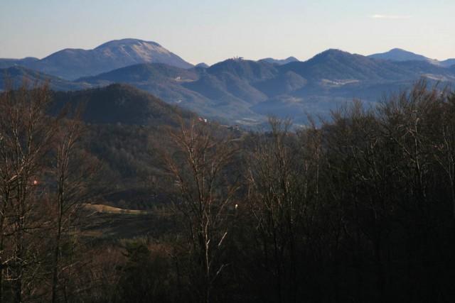 Čemšeniška planina, Sveta gora, Mrzlica