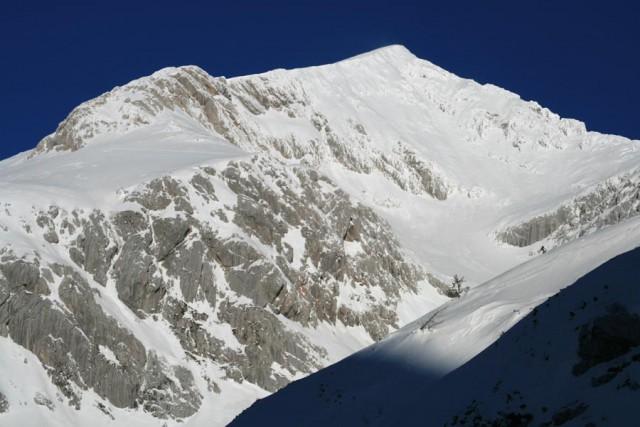 Grintovec i dolina Jame - ...ta biala flanka prosto na szczyt...