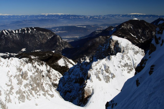 Na horyzoncie Saualpen (Svinja) i Koralpen (Golica)