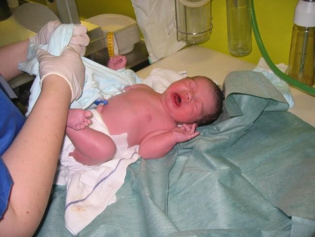 09.04.2008. U 11:42 sam se konacno rodio