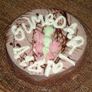 torta za sumbdari danes je dopolnila 1 leto