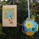 Nitty za Ajčo voščilnica iz barvnega peska, vejic in lesene rožice...krogla pobarvana z a