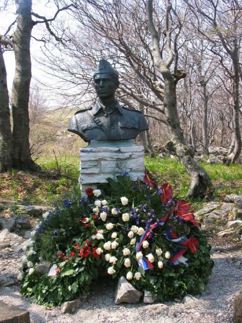 Spomenik partizanskemu heroju Janku Premrlu Vojku ...
