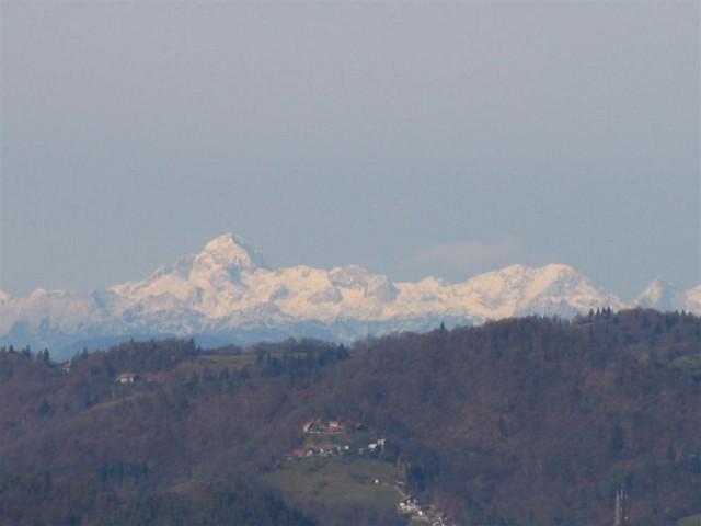 In malo kasneje Julijske Alpe z očakom Triglavom