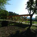 Letos nas je pričakal ob Poti tovarištva in spominov nov, lep in lesen most
