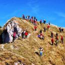 Petindvajseterica zapušča vrh