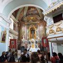 Popeljal nas je v notranjost cerkve in nam marsikaj oidkril o njej