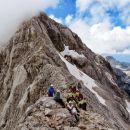 Na grebenu, za čuda, popolnoma sami, izbrali smo pravi trenutek za vzpon