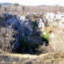 Golokratna jama, udornica široka 65 m in (preverjeno) globoka 120 m