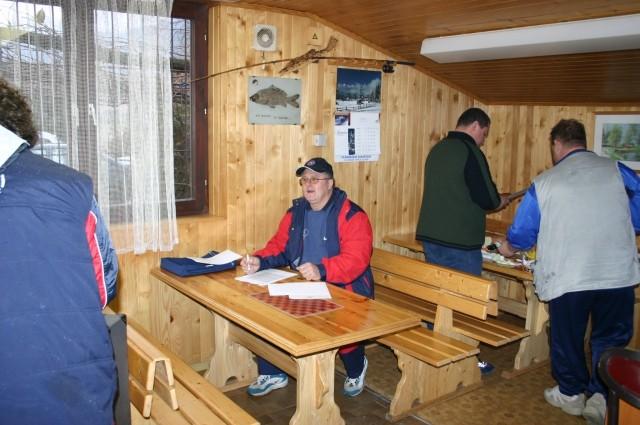 POD LEDOM 2004 - foto