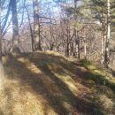 ...levo je razvodje Dravinje in desno pod grebenom reke Sotle...