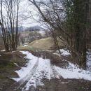...sneg in travišče...