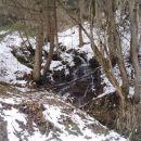 ...ob slikovitem in bučnem potoku...