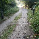 ...gozdarska rampa nad naseljem...