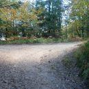 ...pred izhodom, nekakšno sedlo in razcep poti...