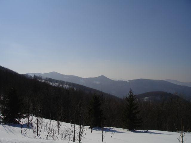 Srednja gora levo, Križna gora desno