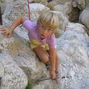 mala plezalka na roza vrvi ...