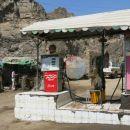 bencin je po ca. 0,40 eur