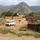redko poseljen z malimi vasicami