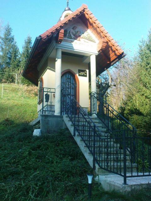 Grandlnova kapela ob poti