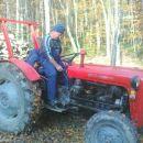 moj ata je furman,oj furman sem jaz,on drevje podira,.....:)))