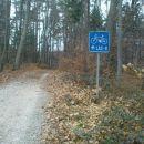 tu  gre tudi proga za kolesarje