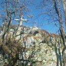 grem dalje proti vrhu Ravne gore