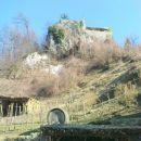 v 16.stol. zgrajeni obrambni grad pred turškimi vpadi
