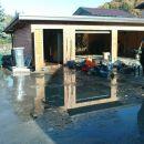 vsi stroji v garaži so bili pod vodo