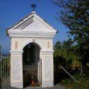 kapelica z Marijo ob poti