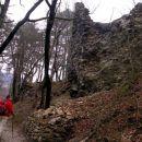 razvaline starega gradu iz začetka 14.stol.