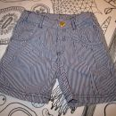 hm kratke hlače 104 - 3 eur