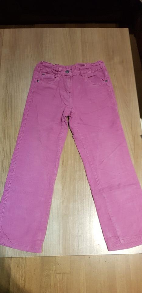 Žametne hlače 128-134 - 3€
