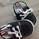 čevlji z mehkim podplatom 10,5cm notranja dolžina 3€