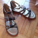 nove sandalice za punce, 31
