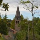 Cerkev od zadaj