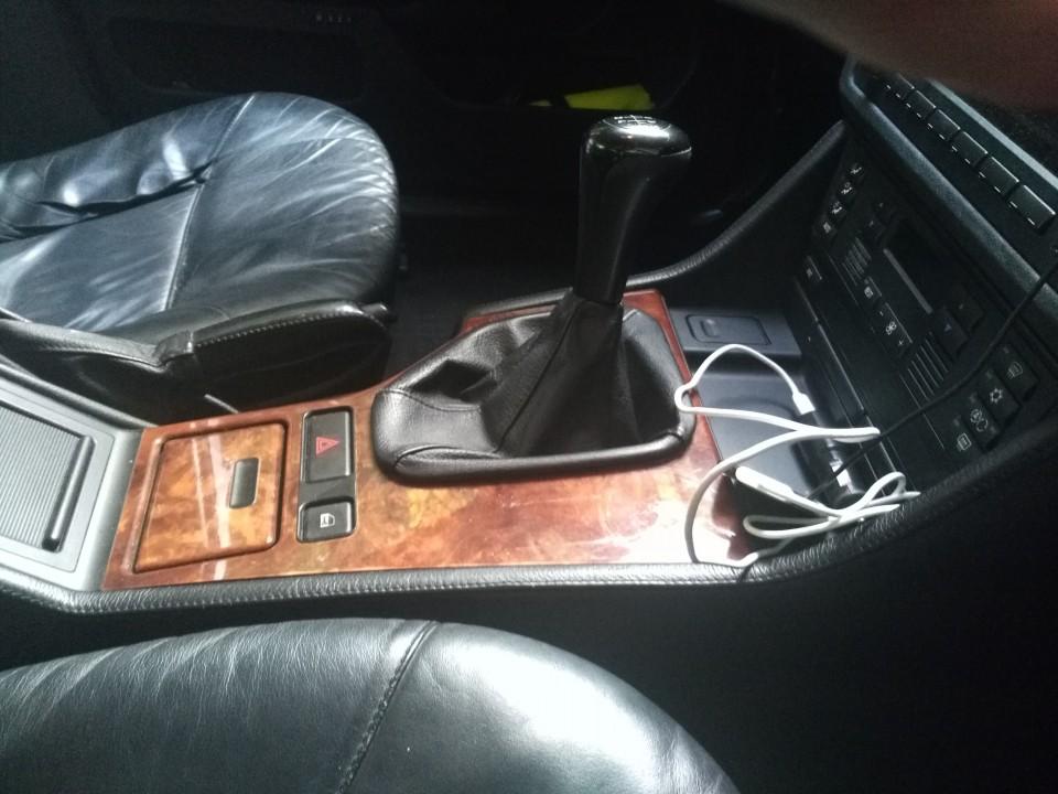 BMW E39 528i + LPG - foto povečava