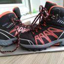pohodni čevlji 30