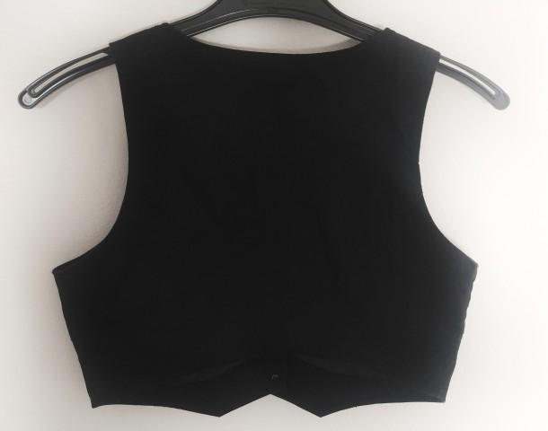 Črn brezrokavnik vest, 170 cm, 14 let - foto