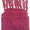 Velik pleten roza šal