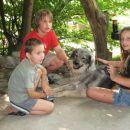 Čita z otroki