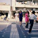 Posnetek iz časa Sadamovega režima, ženske brez črnih ogrinjal so zdaj le še spomin