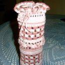 Romantična vazica iz kozarca v katerem so bili beluši