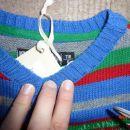 novi pulover 116 - 9 eur