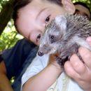 Klara z ježkom zadaj Simon